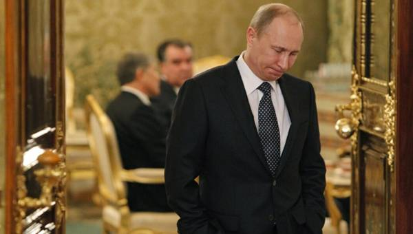 Putin is Forced to Leave, Says Russian Political Activist