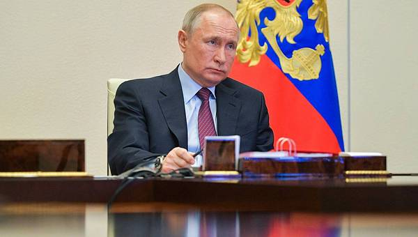 Vladimir Putin Has One Last Chance Left, Says Economist